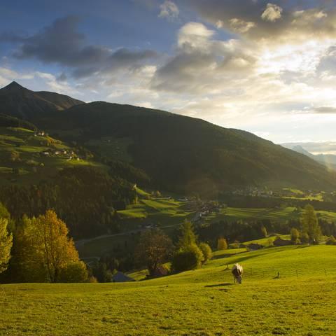 """<p>Die Region Lesachtal gilt als das naturbelassenste Tal Europas und ist Mitglied der Initiative """"Österreichische Bergsteigerdörfer"""", zu der nur Täler und Orte gehören, die naturnahen, nachhaltigen Tourismus forcieren.</p>"""