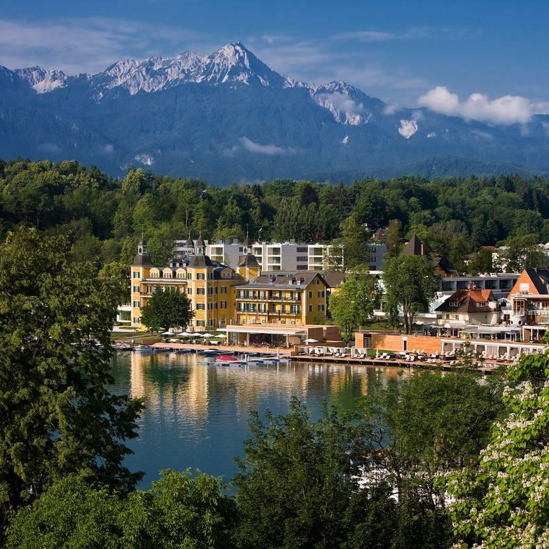 <p>Alpe Adria Trail, Schlosshotel Velden</p>