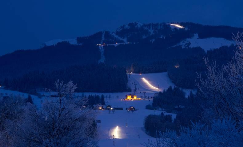 Nassfeld bei Nacht