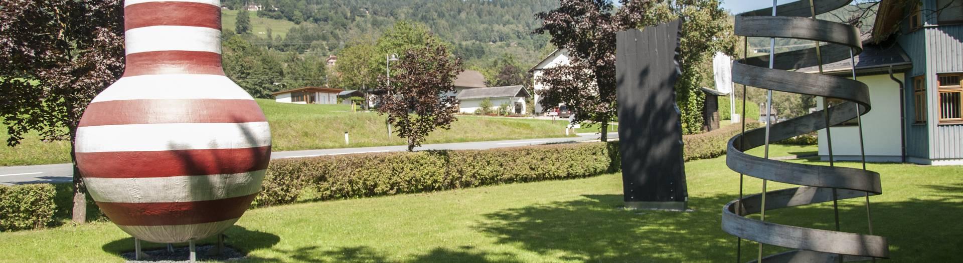 Skulpturenpark in Ludmannsdorf im Rosental