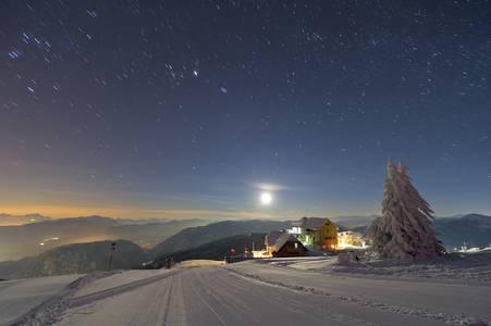 Síelés és csillagfigyelés